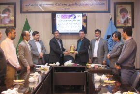 اعضای شورای شهرتایباد، بمناسبت روز شهردار، درجلسهای از زحمات مهندس سیدالحسینی، شهردار تایباد تقدیر نمودند…