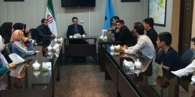شهردارتایباد در دیدار با جمعی از فراگیران، مربیان و اولیای فراگیران فرهنگسرای مولانا از افزایش بنای ساختمان این محل خبر داد.