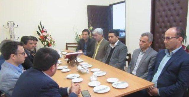 در جلسه شهردارو اعضای شورای اسلامی شهرتایباد با معاونین فرمانداری تایباد، تقویت ارتباط و تعامل طرفین مورد تاکید قرار گرفت.