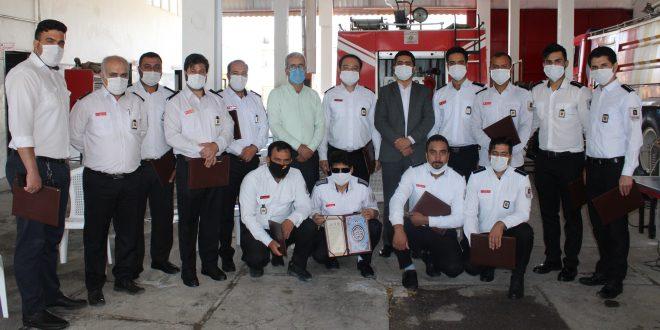 مهندس کریمزاده به نمایندگی از فرماندارتایباد از تلاش های مجموعه سازمان آتش نشانی و خدمات ایمنی شهرداری تایباد تقدیر نمود.