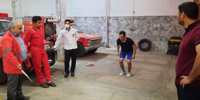 علی حسینی: برگزاری مستمر تست آمادگی جسمانی امدادگران و آتشنشانان تایبادی، موجب تقویت بنیه جسمی و روحی کارکنان و پرسنل این سازمان می شود.