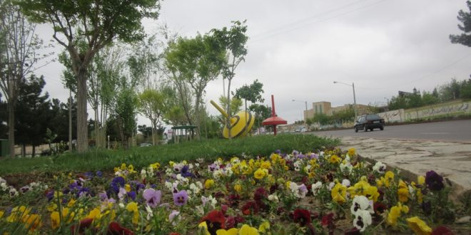 مسئول واحد فضای سبز شهرداری تایباد: با ۱۳۰ هکتار  فضای سبز  شهری، تایباد همچنان دارای رتبه اول سرانه فضای سبز کشور است.