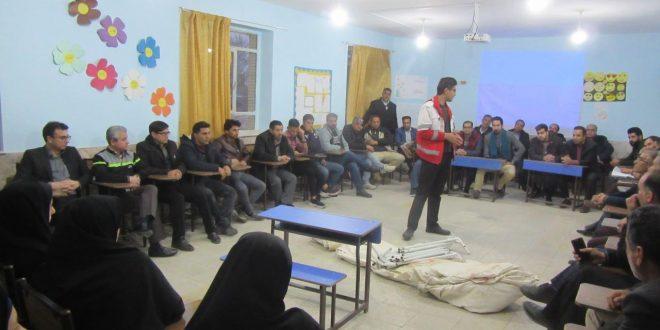 کلاس های ایمنی و امداد و نجات هلال احمر، با حضور شهردار و پرسنل شهرداری تایباد برگزار گردید.